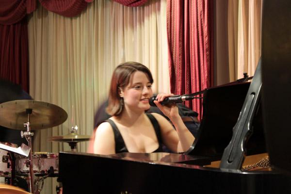 Ariel Pocock Trio at Eastside Jazz Club, February 9, 2010   Bellevue.com